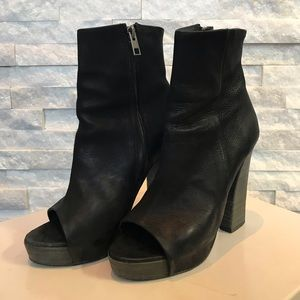 AllSaints Manifest heeled boot